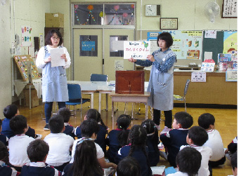 学校図書館支援員活動状況の写真・4