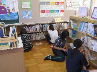 学校図書館支援員活動状況の写真・6